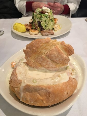 Atlantic Fish Company: Clam Chowder