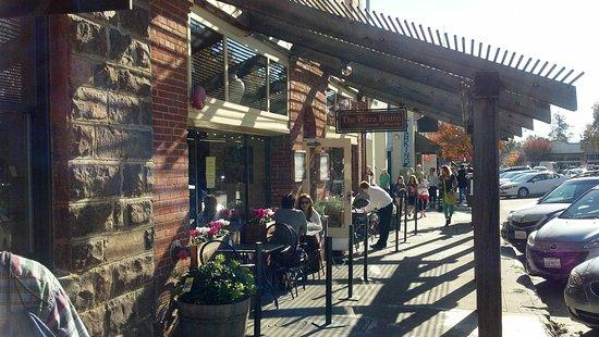 Sonoma Plaza Sidewalk