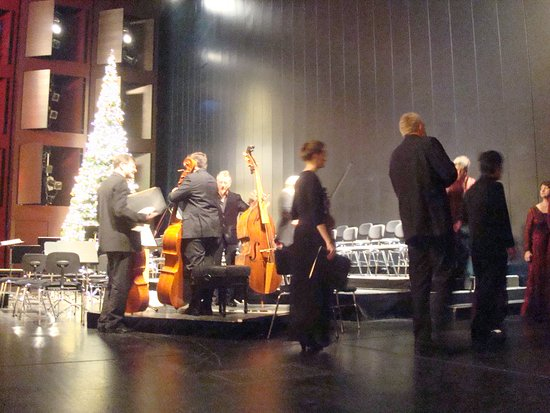 Festspielhaus Baden-Baden: Stage with some musicians after the performance
