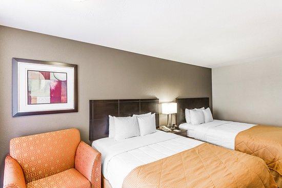 Quality Inn Phoenix Airport: Guestroom - Queen Beds