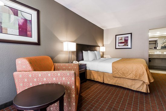Quality Inn Phoenix Airport: Guestroom - King Bed