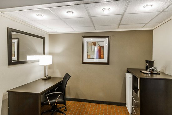 Quality Inn Phoenix Airport: Suites