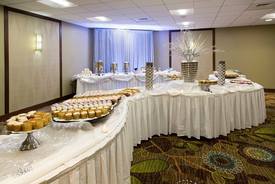 Holiday Inn Ann Arbor / University of Michigan: Dessert Buffet for Holiday Functions