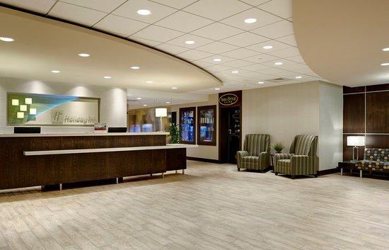 Holiday Inn Ann Arbor / University of Michigan: Hotel Lobby