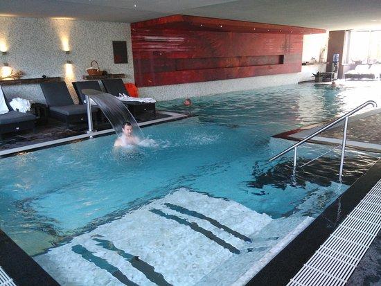 布根巴哈羅萊靜謐飯店照片