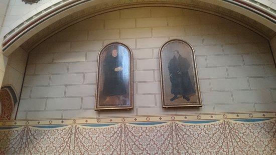 Schlosskirche: ルターとメランヒトンの絵。