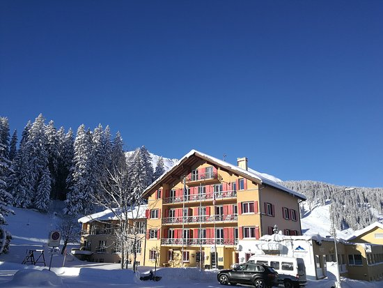 Grischalodge Hotel Post: Hotel im Winter