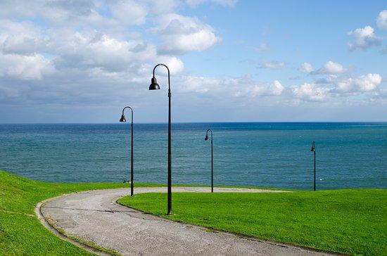 Santa Catalina Headland (Cerro de Santa Catalina):  Zona verde con espectaculares vistas.