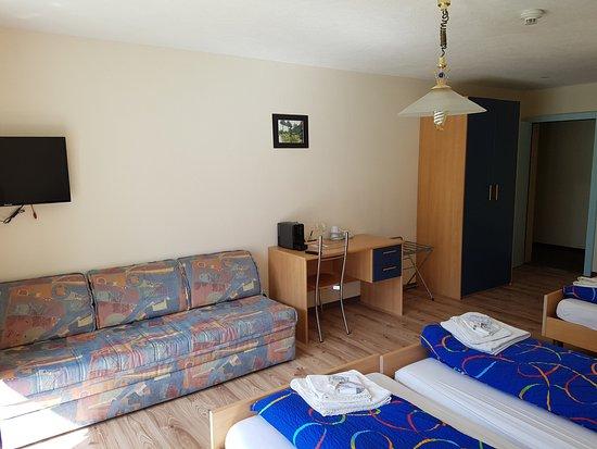 Parpan, Suiza: Komfort 3er Zimmer neu gestaltet Dezember 2016 mit neuen Matratzen und neuem Bettinhalt