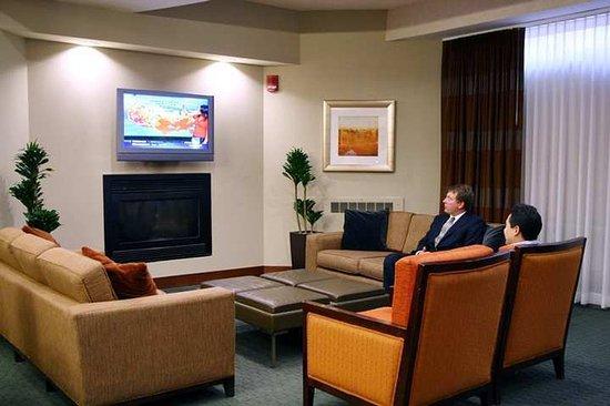 Hampton Inn & Suites Milwaukee Downtown: Lobby