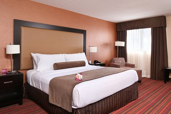 Crowne Plaza Grand Rapids (Airport)