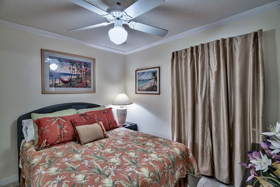 Gulfview Condominiums: Master Bedroom