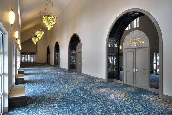 DoubleTree by Hilton Hotel Deerfield Beach - Boca Raton: Foyer