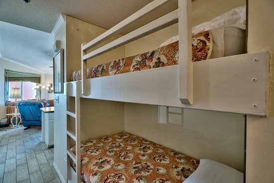 Gulfview Condominiums: Bunk beds