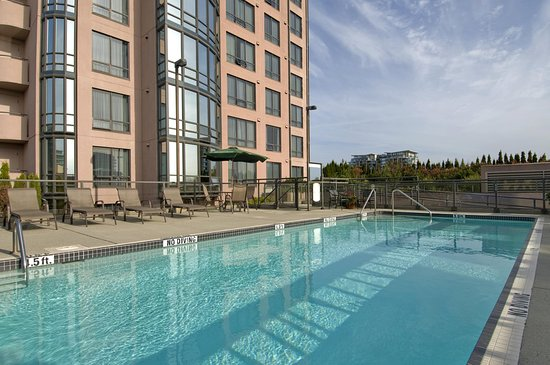 Outdoor Swimming Pool Picture Of Hilton Vancouver