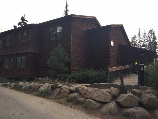 Wuksachi Lodge: Exterior de uno de los edificios de habitaciones