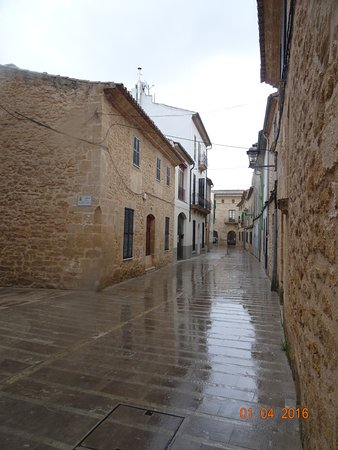 Fundacio Biblioteca d'Alcudia Can Torro