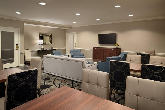 Frontenac, MO: Executive Lounge