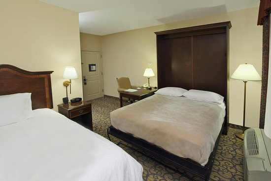 Hampton Inn Princeton: King Wall Bed