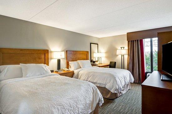 Hampton Inn Norfolk Naval Base: Two Double Guest Room