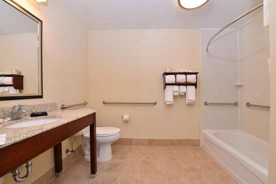 Steubenville, OH: Accessible Tub