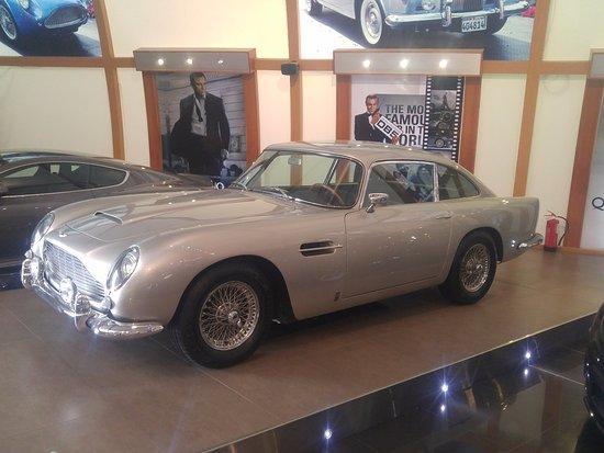James Bond Aston Martin Picture Of Historical Vintage Classic - Aston martin vintage