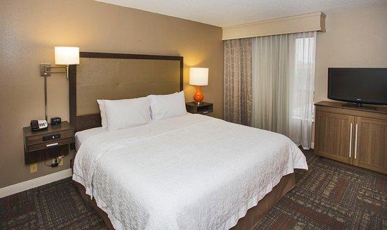 Valdosta, GA: King Bedroom