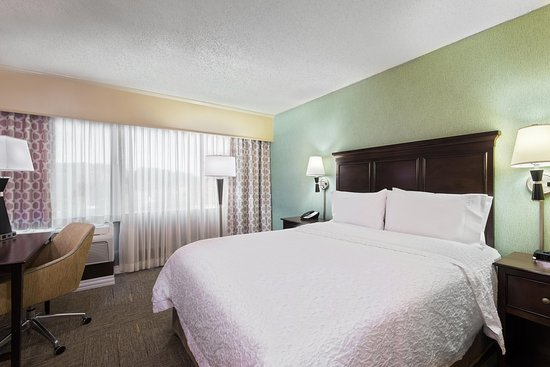 Hampton Inn White Plains / Tarrytown: Queen Bedroom