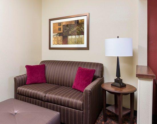 Shawnee, OK: King Bed