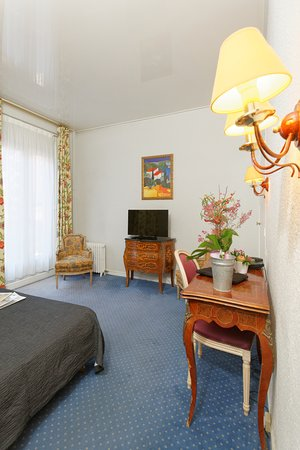 Royal Wilson: ChambreDouble-VueTNT-HotelRoyalWilson-Toulousecentre
