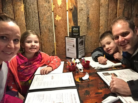 Centennial, WY: Great Family dinner - thanks Old Corral!