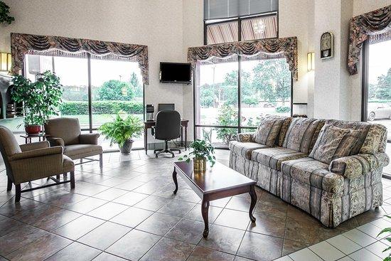 Econo Lodge South Garner: Interior