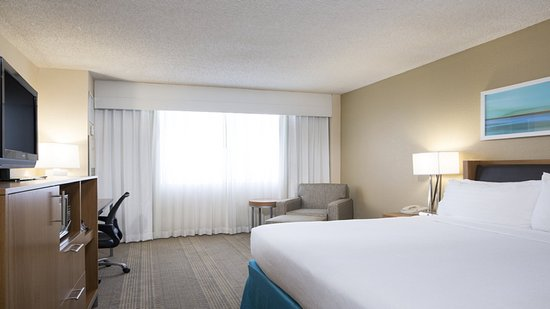 Holiday Inn Palm Beach-Airport Conference Center: Guest Room