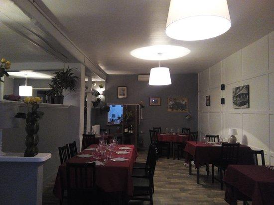 Intérieur de la salle de restaurant