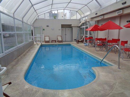 Foto de agua dulce tandil desayunador tripadvisor for Precio piscina climatizada