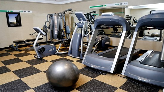 Holiday Inn Plainview - Long Island: Fitness Center