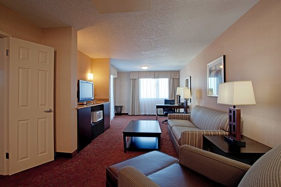 holiday inn palmdale updated 2017 prices hotel reviews. Black Bedroom Furniture Sets. Home Design Ideas