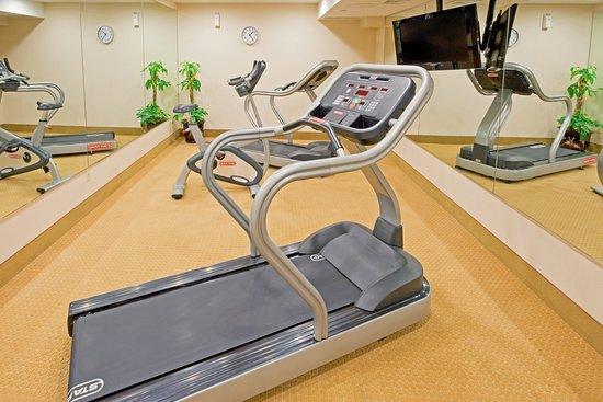 Maspeth, NY: Fitness Center