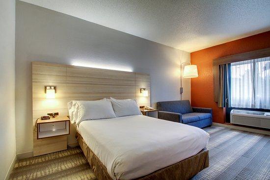 Holiday Inn Express Milwaukee N. Brown Deer/Mequon : Wheelchair Accessible