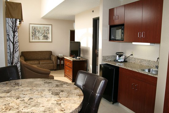 Mercer, PA: Executive Suite
