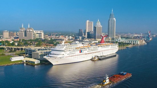 Holiday Inn - Mobile Downtown/Historic District: Climb onboard the Carnival Fantasy at the Alabama Cruise Terminal