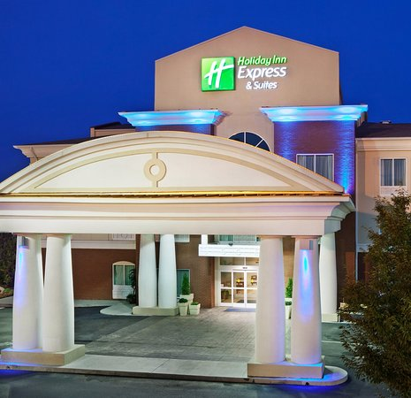 Holiday Inn Express Hotel & Suites Lenoir City