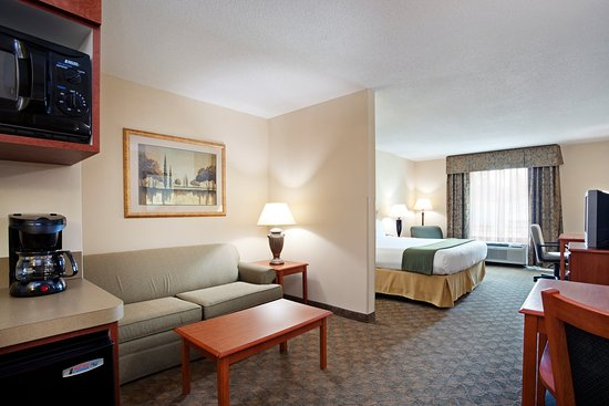 Lenoir City, TN: Suite