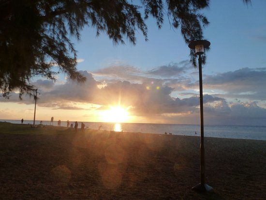 Flic en Flac: Sunset on the beach