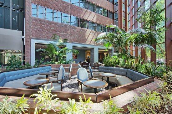 أومني شارلوتسفيل هوتل: Hotel Atrium