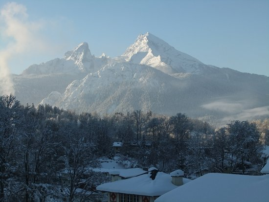 Pension Haus am Berg: View from our balcony, towards the Watzmann