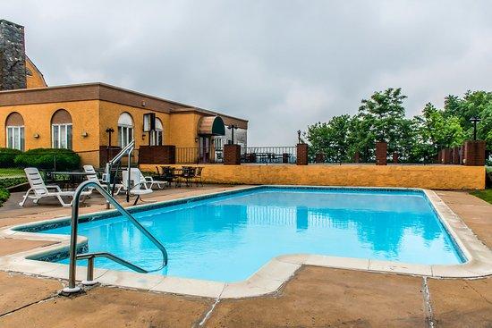 Rodeway Inn Amish Country : Pool