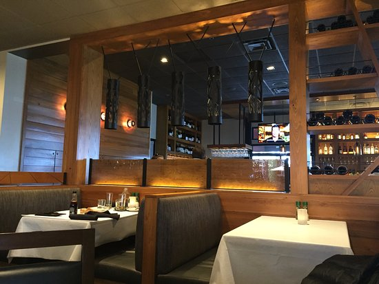 Bonefish Grill: Inside the restaurant