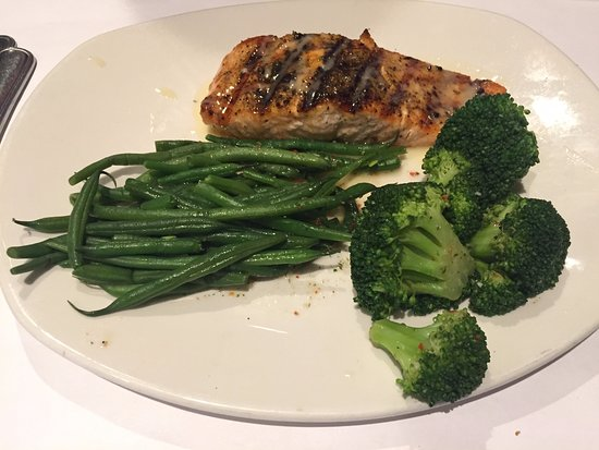 Bonefish Grill: Grilled Salmon with lots of veggies