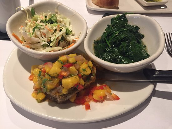 Bonefish Grill: Seared ahi tuna with coleslaw and spinach